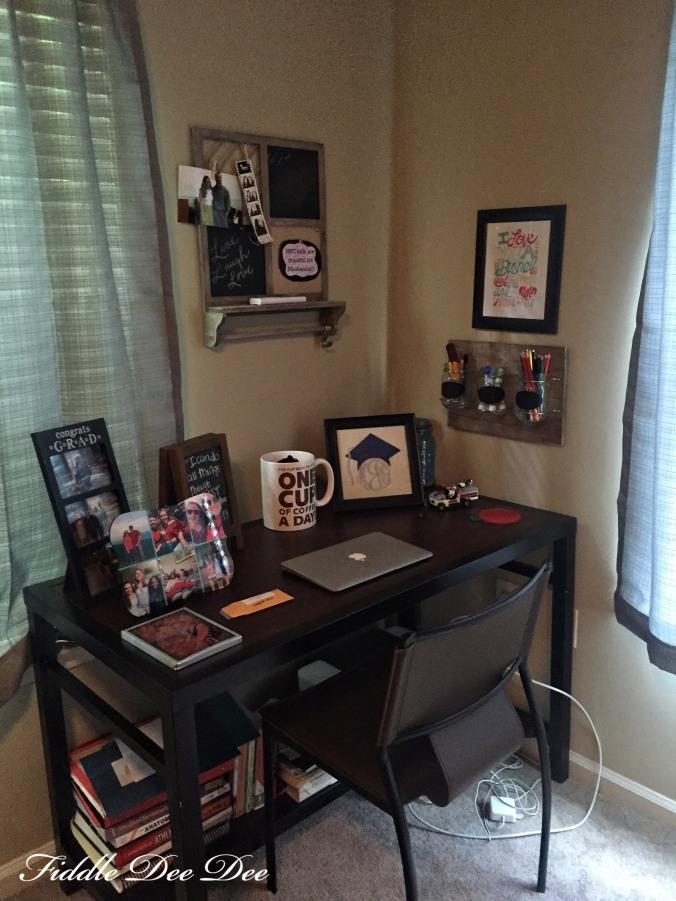 desk-space-oh-fiddledeedee-com