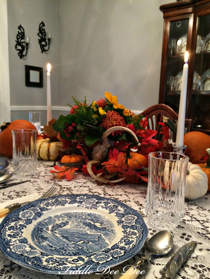 blue-willow-autumn-tablescape-2-oh-fiddledeedee-com