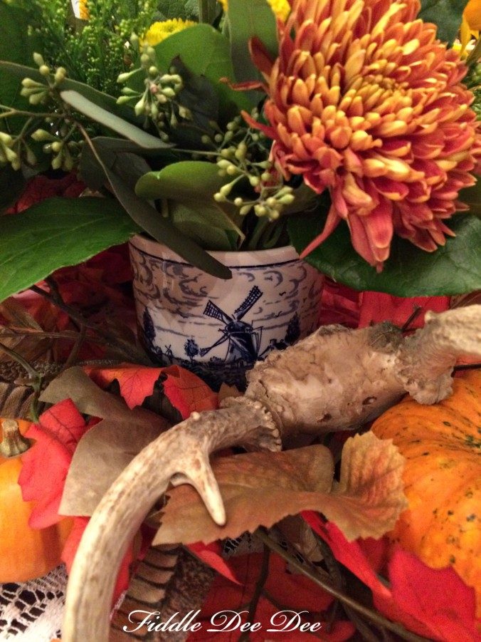 blue-willow-autumn-tablescape-3-oh-fiddledeedee-com