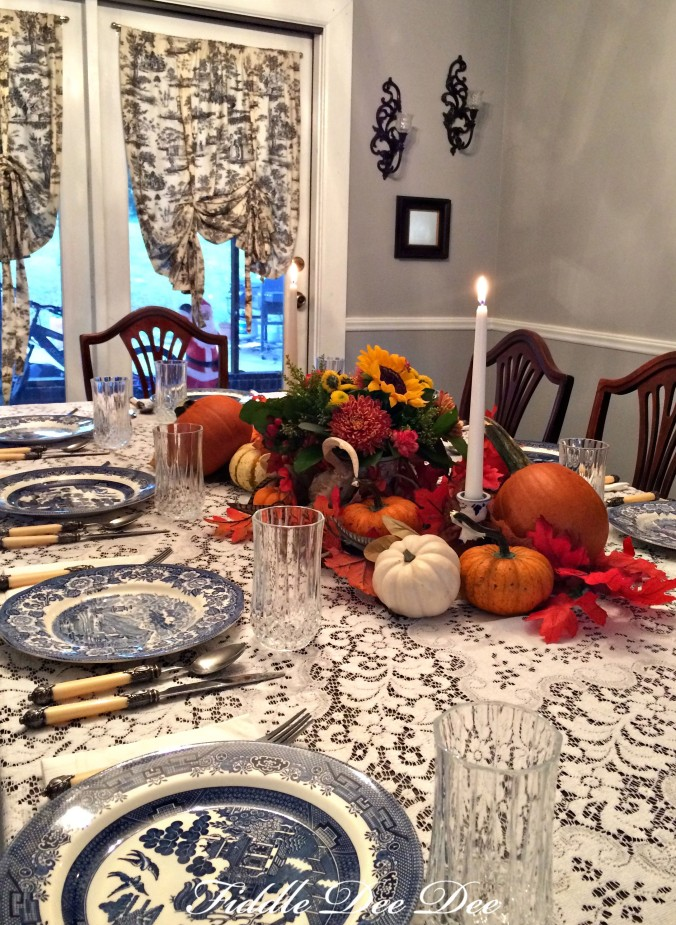 blue-willow-autumn-tablescape-6-oh-fiddledeedee-com