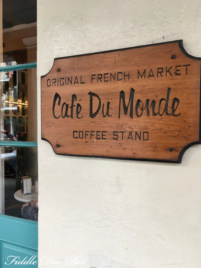 cafe-du-monde-ohfiddledeedee-com