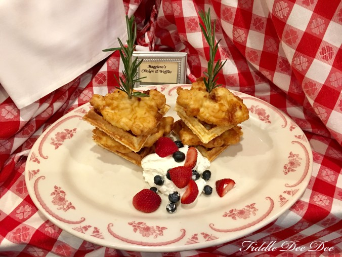 Maggianos-Chicken-waffles-brunch |fiddle-dee-dee