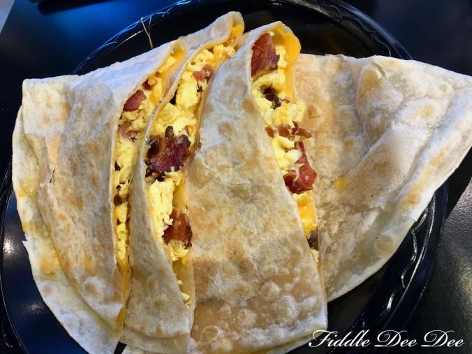 Lolitas-Breakfast-quesadilla