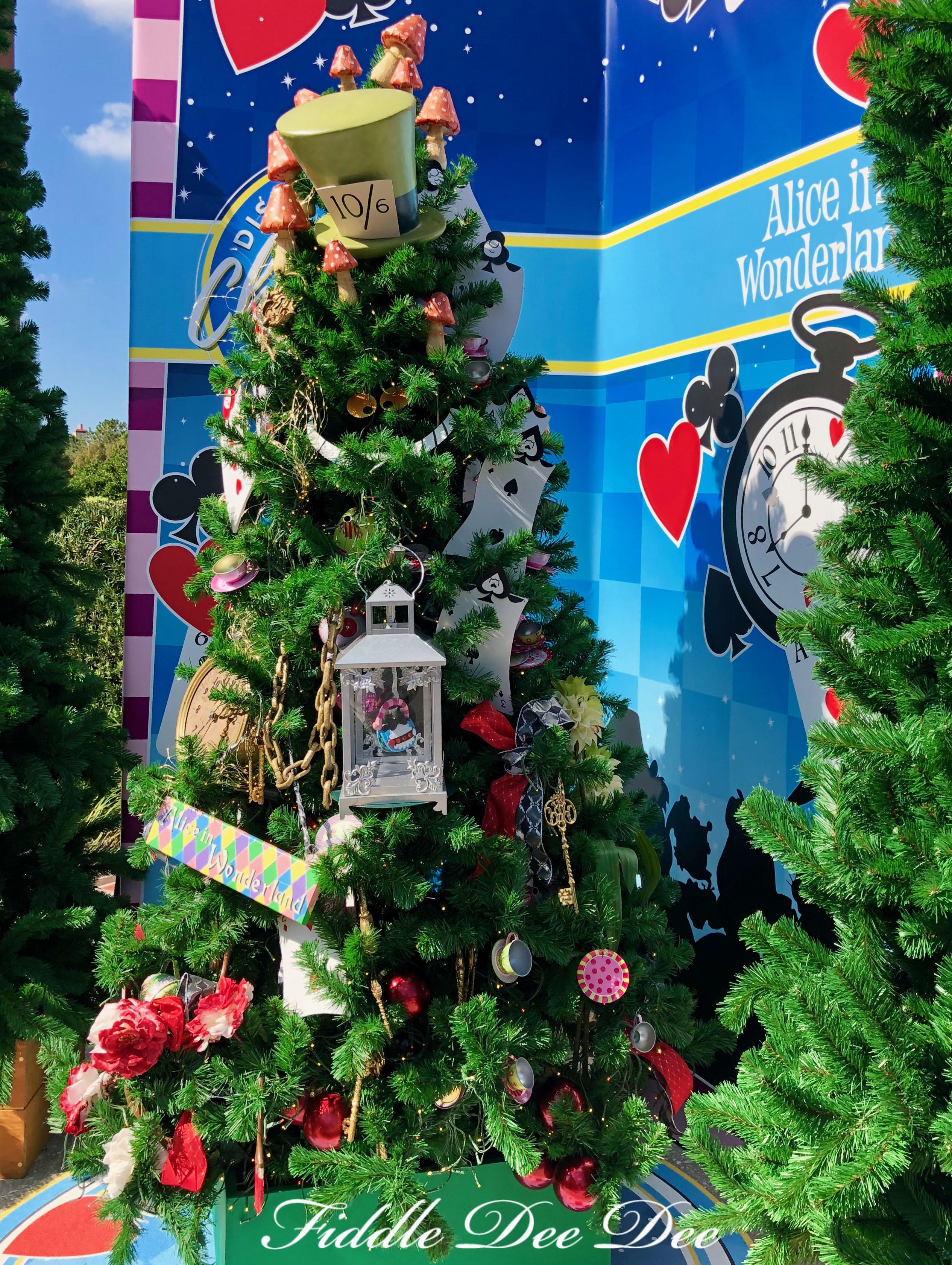 Alice-in-Wonderland-Tree | ohfiddledeedee.com