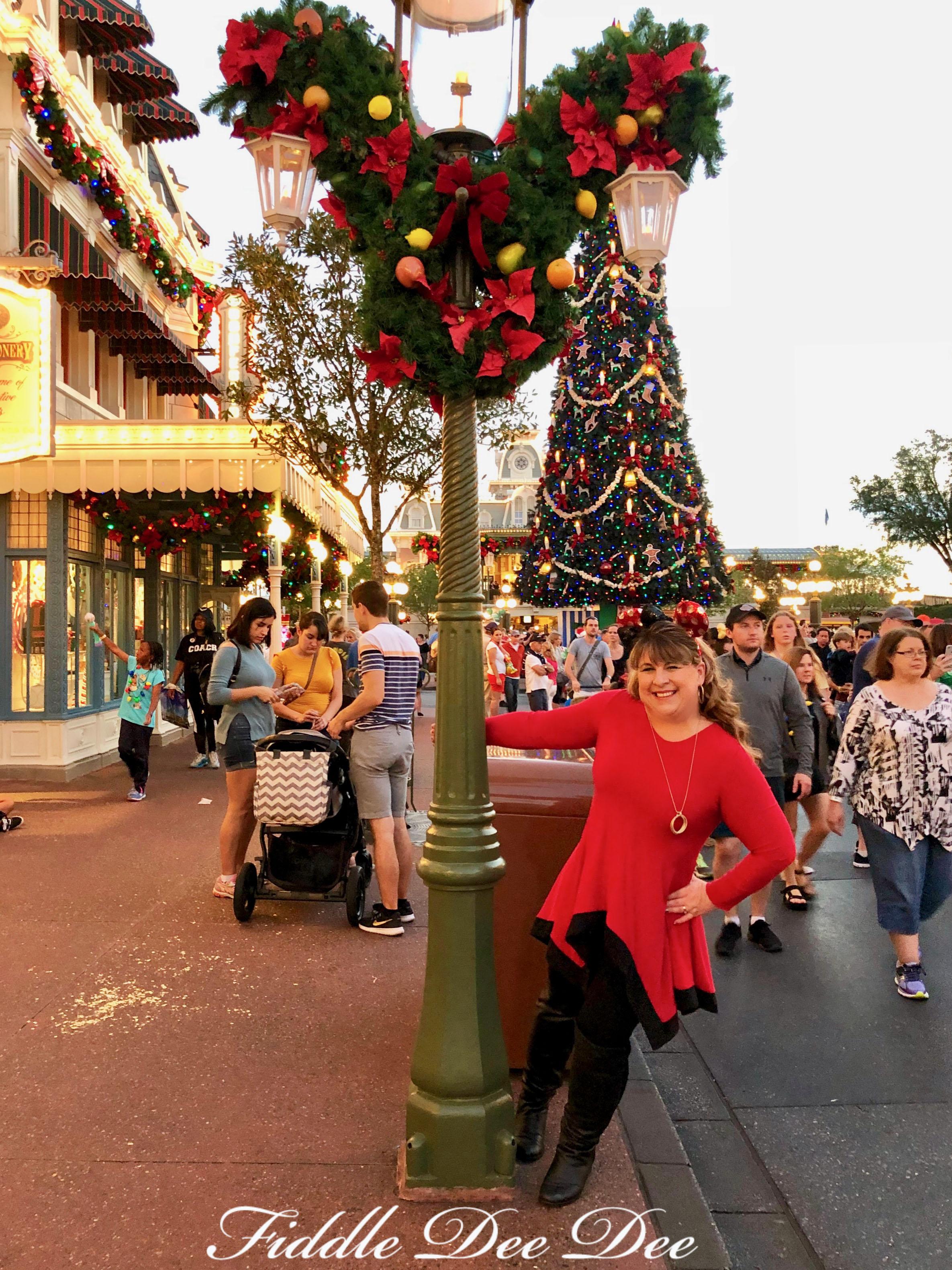 Disney-Christmas-Party-Celebration | Fiddle Dee Dee