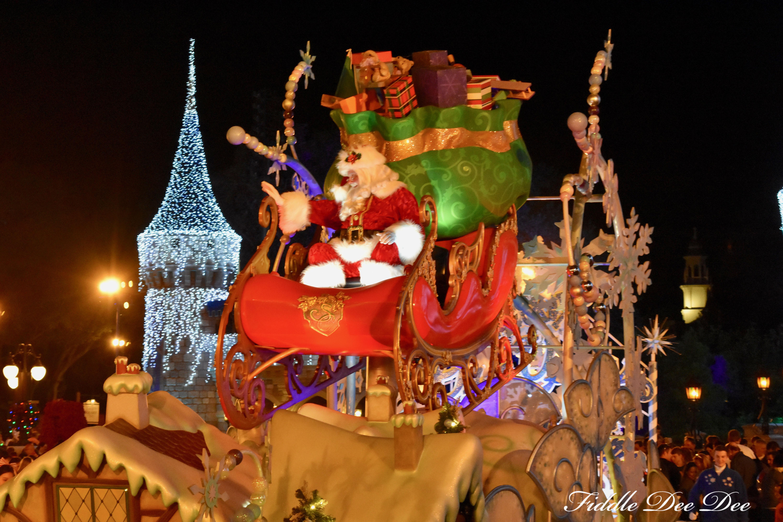 Disney-Santa-Claus | Fiddle Dee Dee