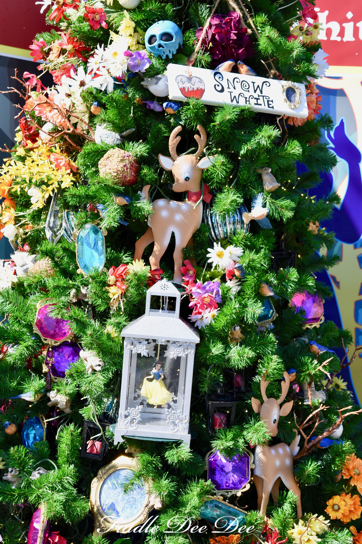Snow-White-Tree | ohfiddledeedee.com