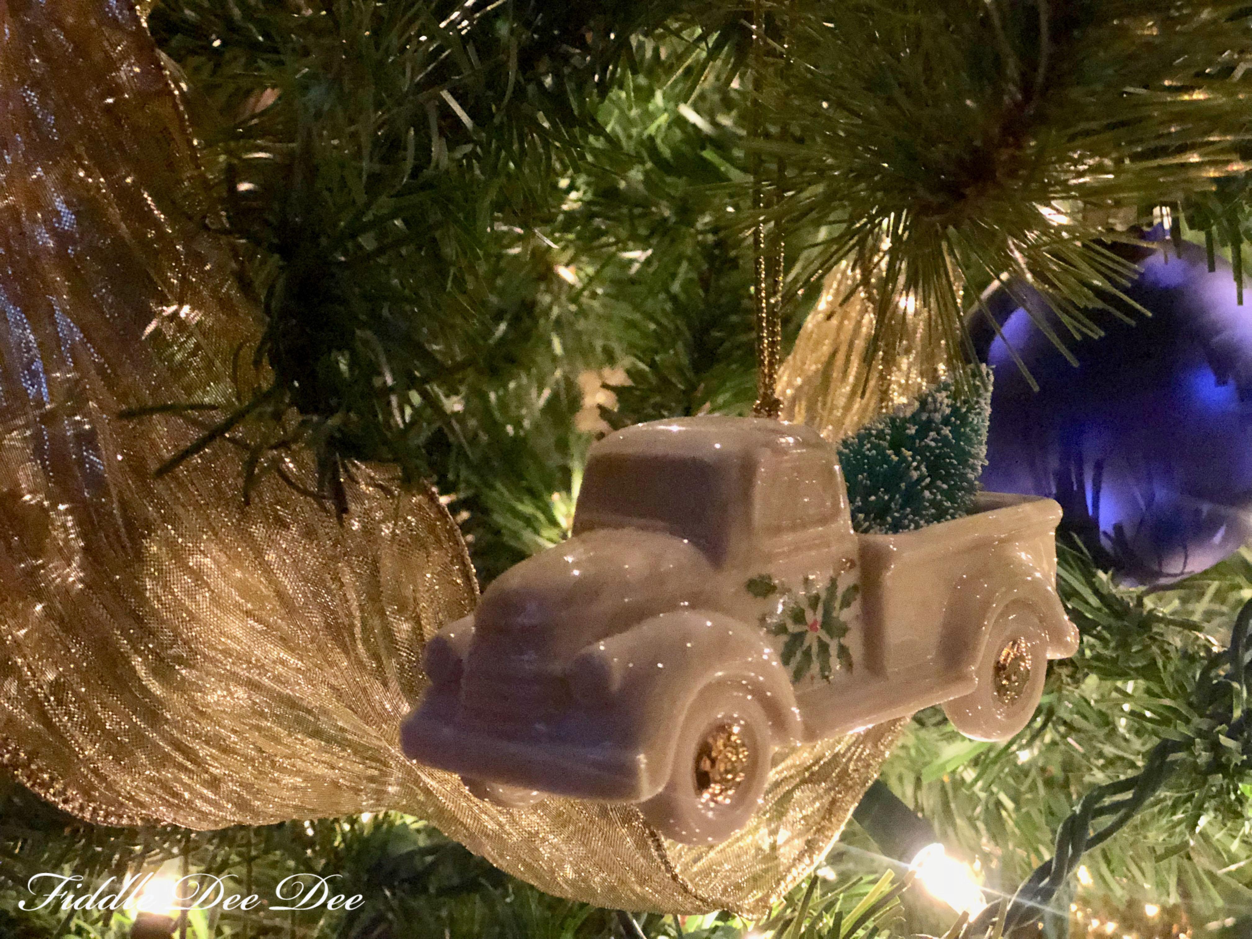 annual-lenox-ornament