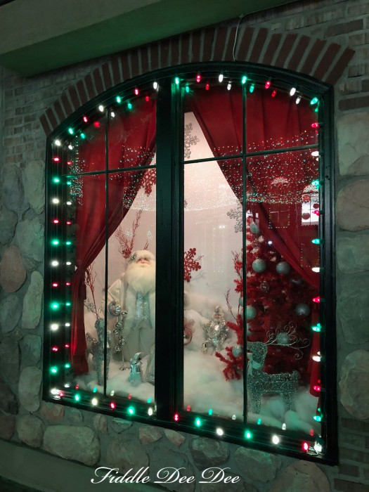 christmas-window-six-flag