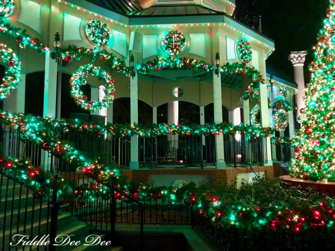 six-flags-holiday-lights