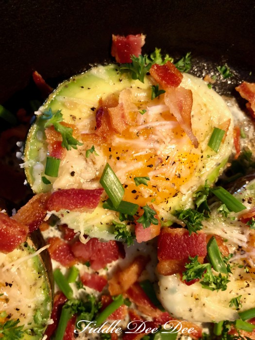 Egg-Baked-Avocado