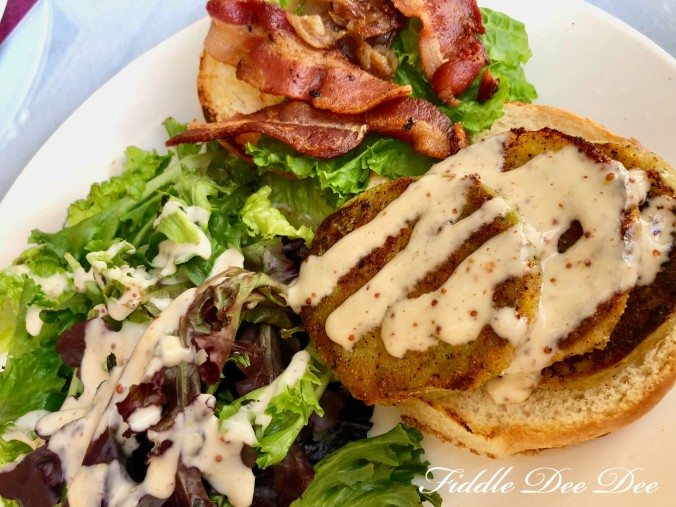 Last-Resort-Grill-Bacon-Lettuce-Fried-Green-Tomato-Sandwich | Fiddle Dee Dee