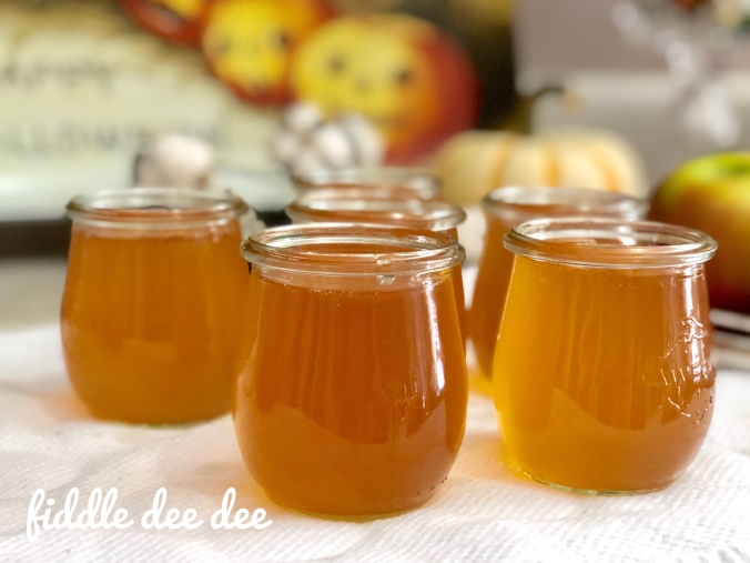 Apple Jelly in Weck jars