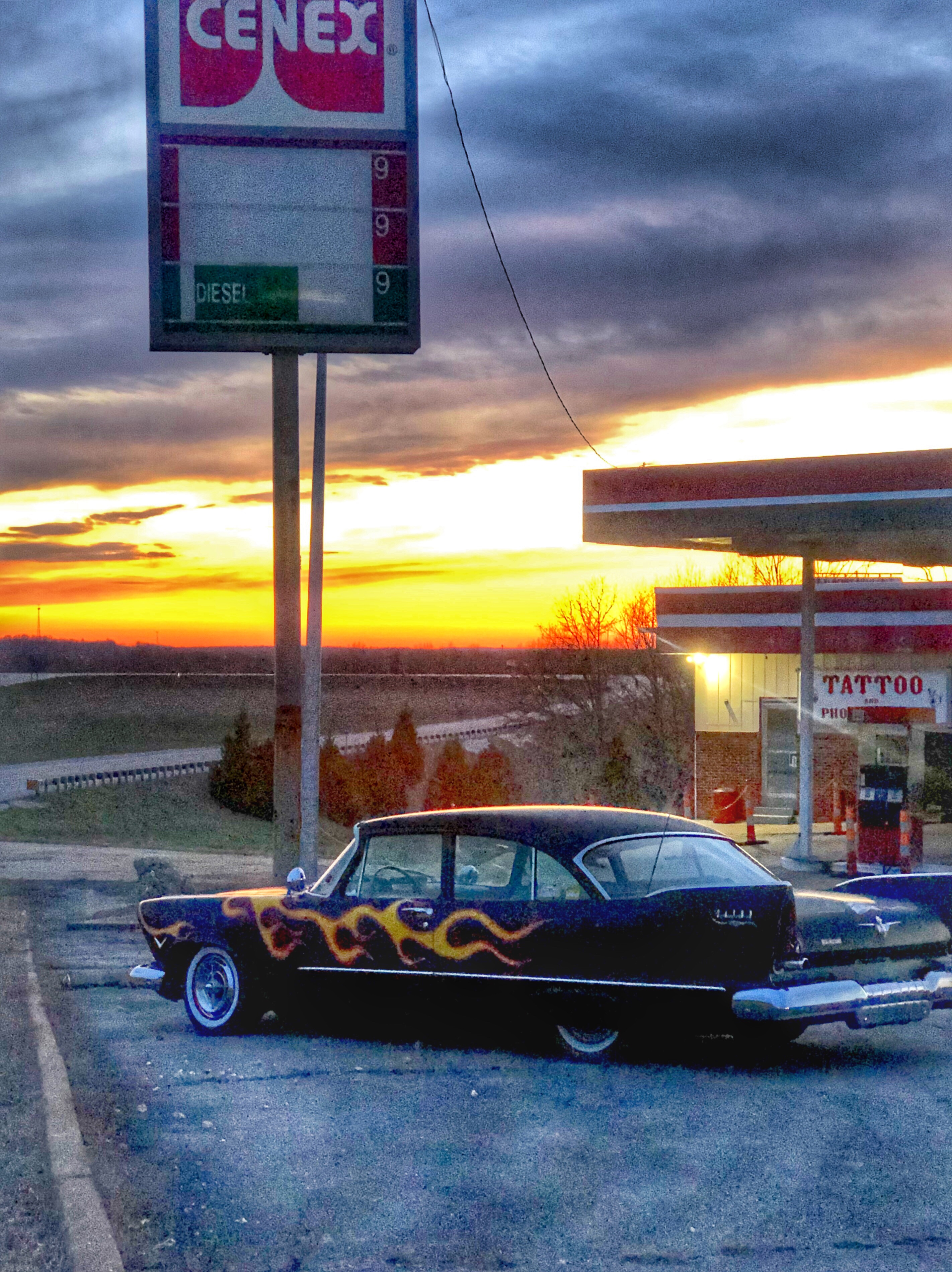 Sunset view on Route 66 / Oh Fiddle Dee Dee