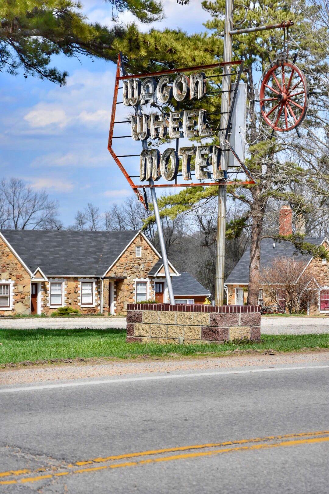 Wagon Wheel Motel Cuba Missouri / Oh Fiddle Dee Dee