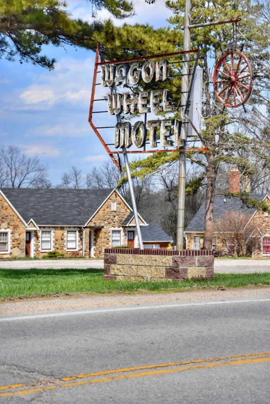 Wagon Wheel Motel Cuba Missouri / Oh Fiddle Dee Dee