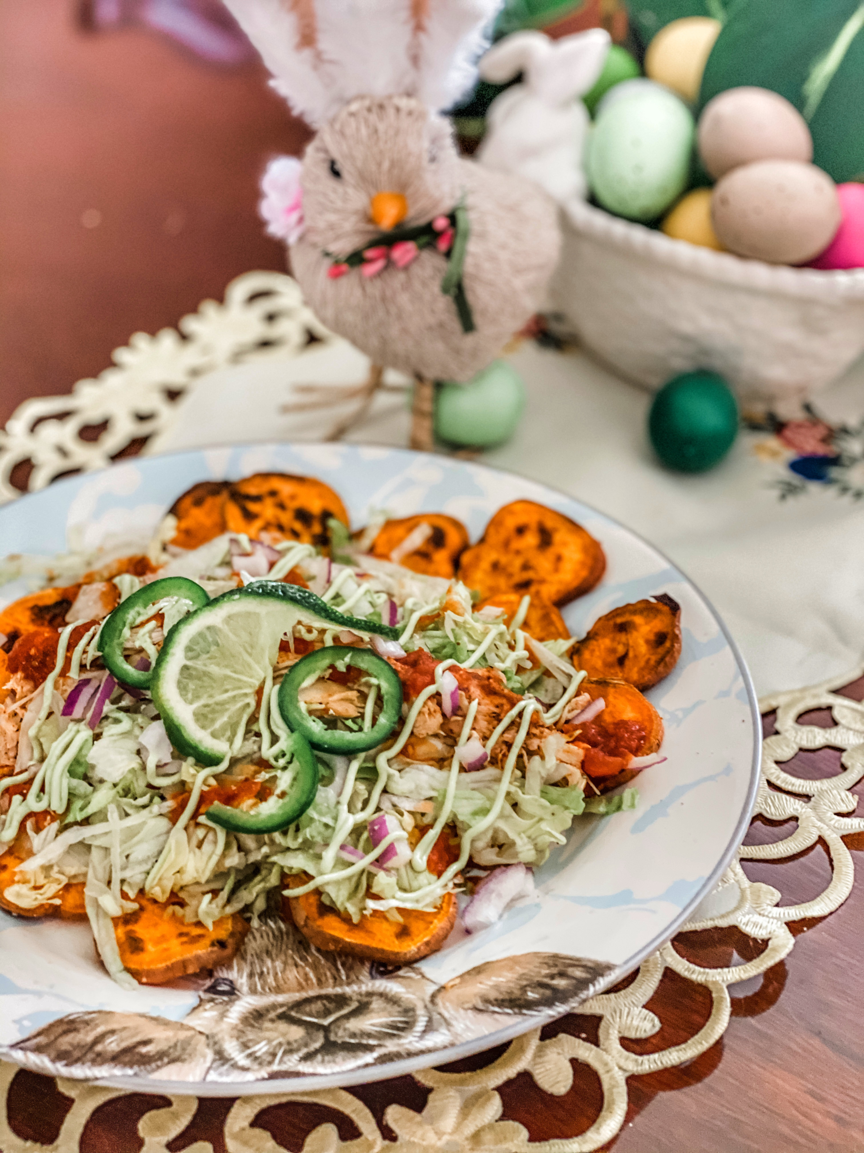 Sweet Potato Nacho for a Healthy Lunch / ohfiddledeedee.com